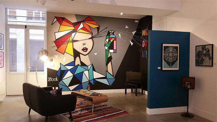 Salle d'exposition Arty de la galerie Clémouchka