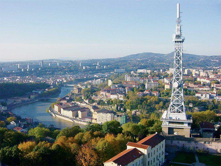 La tour métallique de Lyon