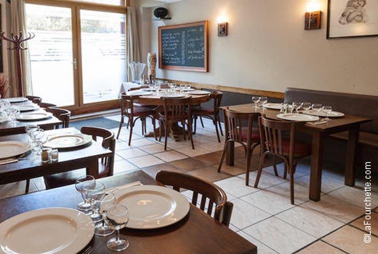 Salle du bouchon Au Resto