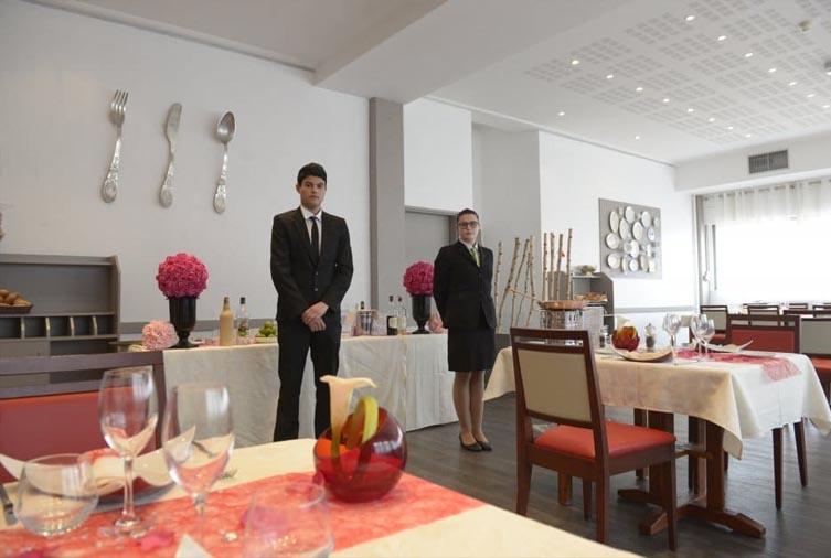 Eleves du restaurant Helene Boucher