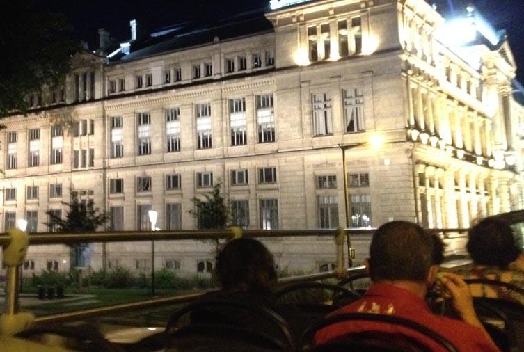 Lyon en bus la nuit