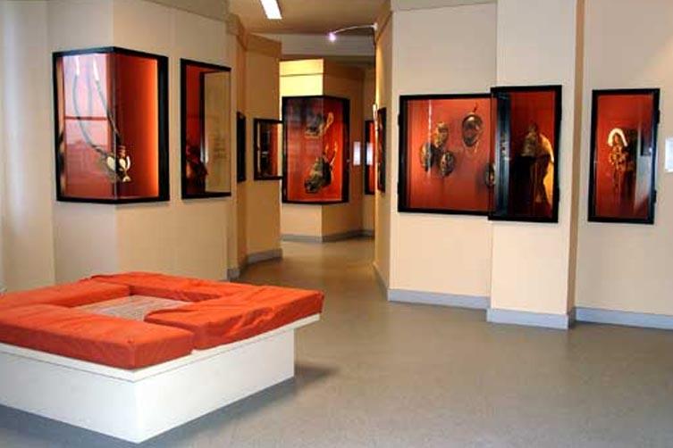 Salle principale du Musée Africain de Lyon